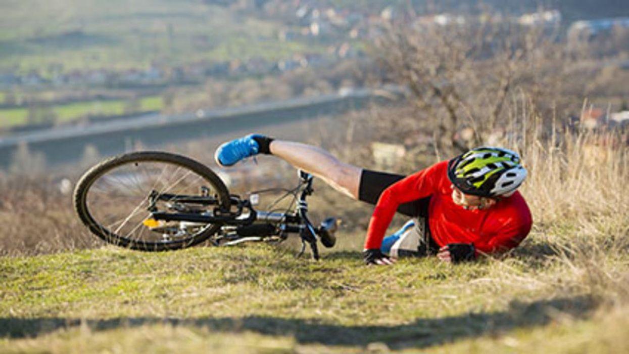 ¿Cuál deporte causa la mayoría de las lesiones de la columna vertebral?