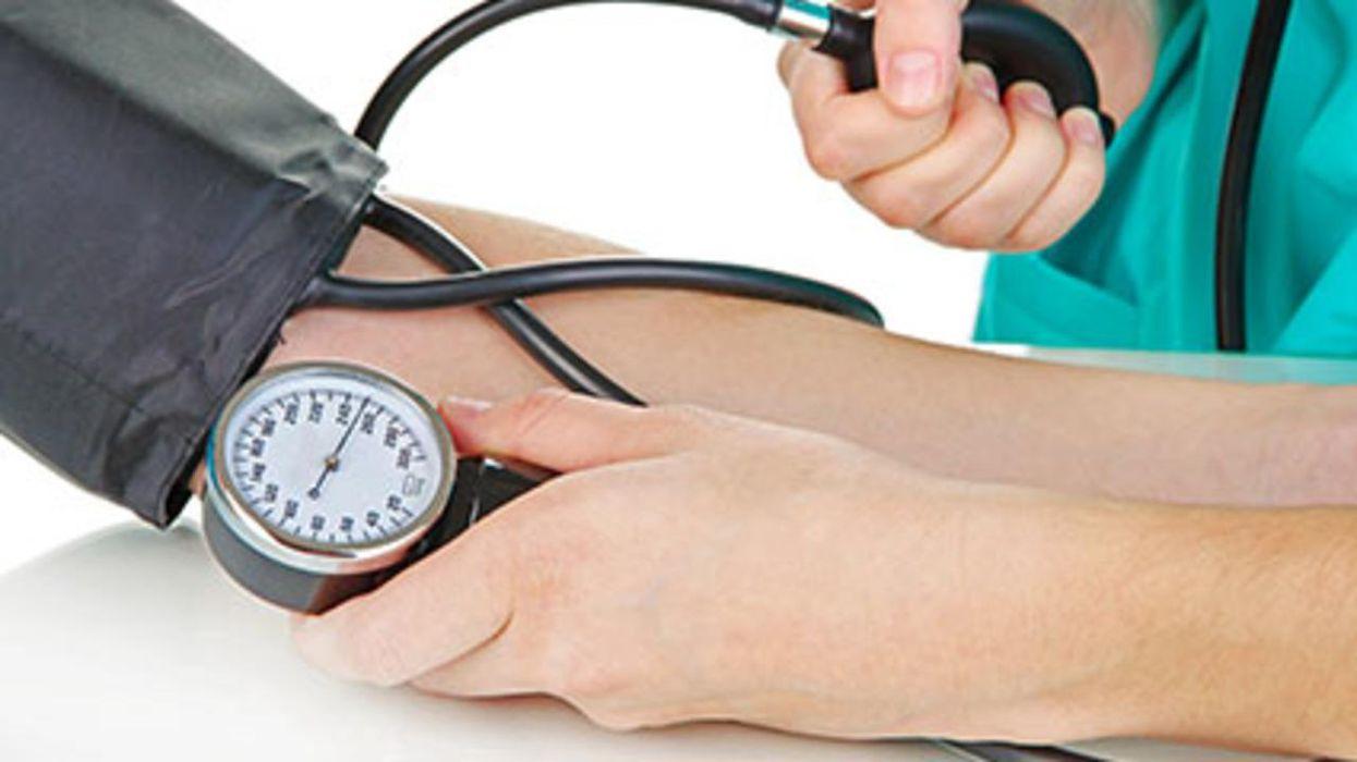 Un estudio halló que, con el tiempo, el estrés puede elevar la presión arterial.