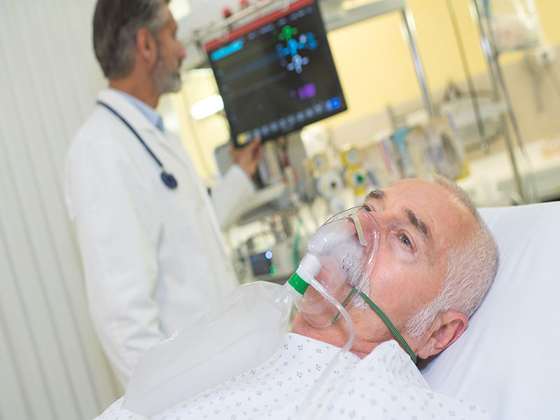 News Picture: Trials Find Full-Dose Blood Thinners May Harm, Not Help, COVID Patients in ICU