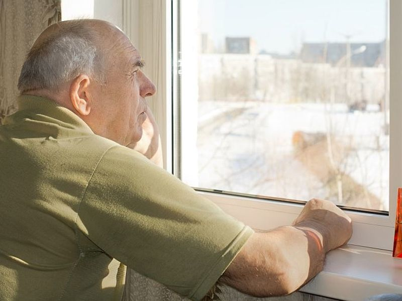 Assisted Living Centers Can Do More for Dementia Patients, Experts Say