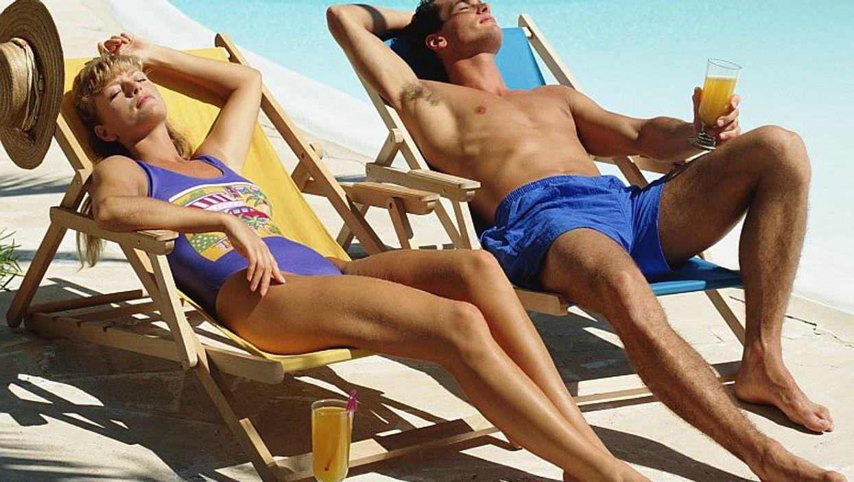 Muchos estadounidenses se equivocan sobre los peligros de cáncer de piel por el sol, según una encuesta