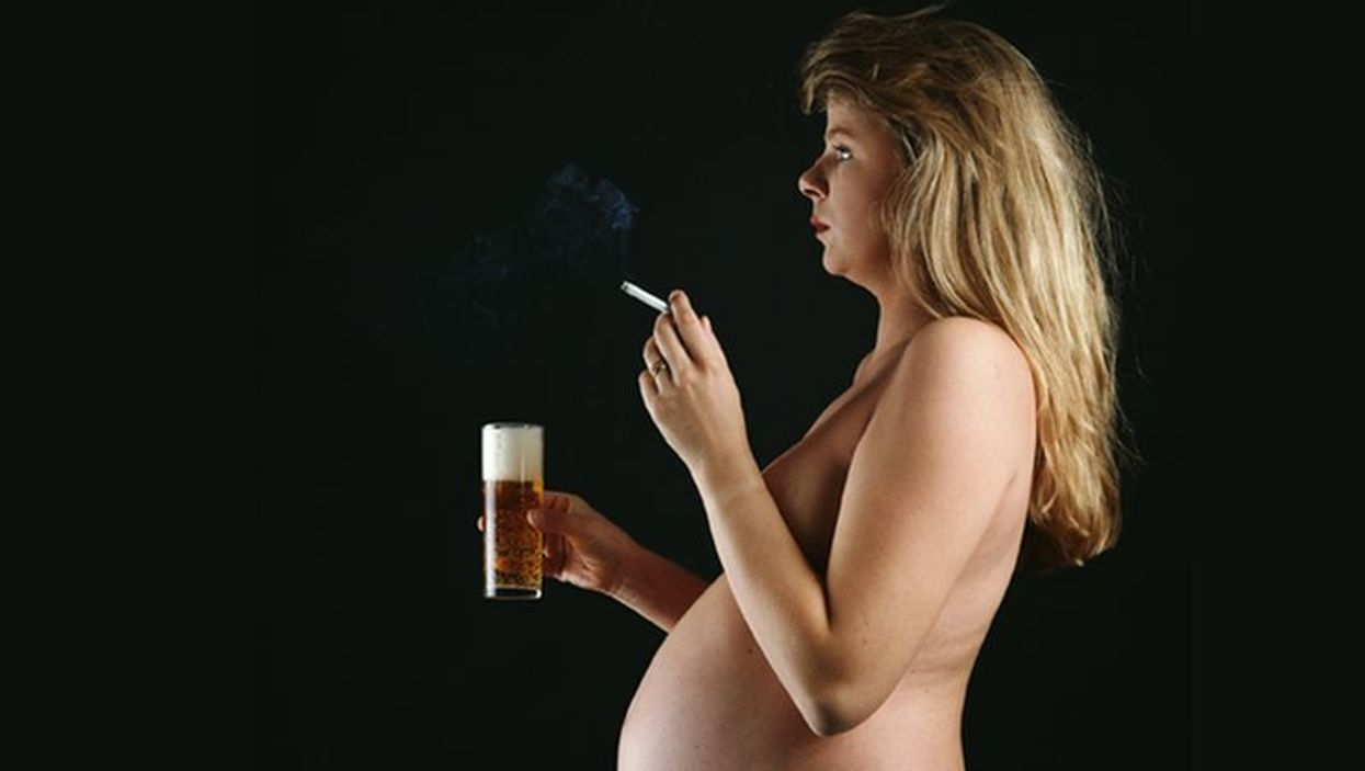 pregnant woman smoking and drinking