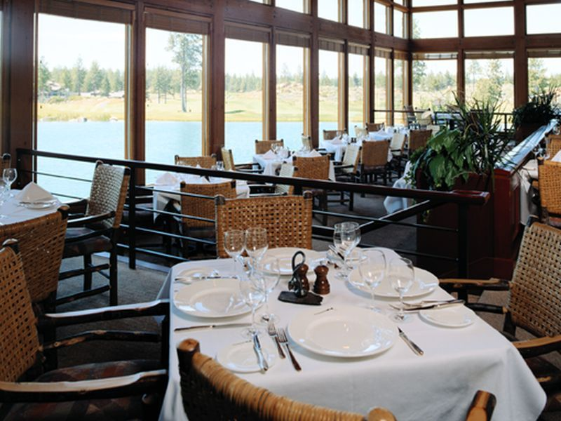 With Cold Weather Forcing Patrons Inside, How Safe Are Restaurants? thumbnail