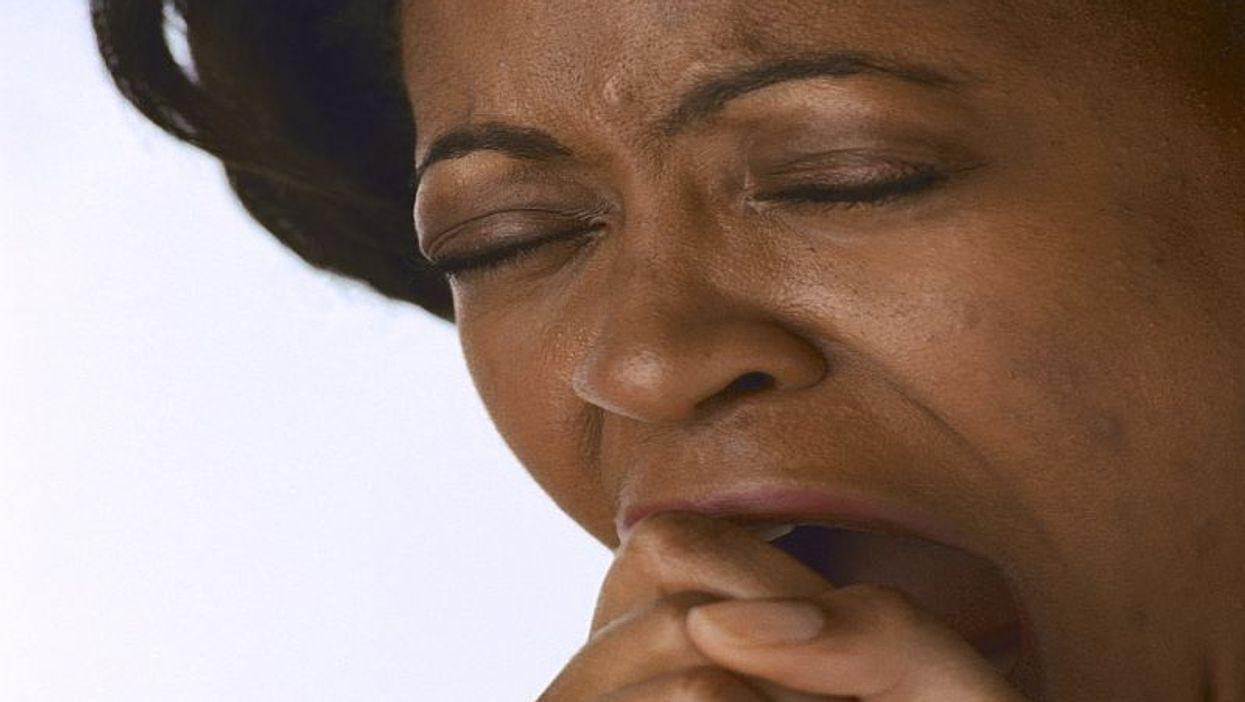 Sentirse agotado podría aumentar las probabilidades de una COVID grave