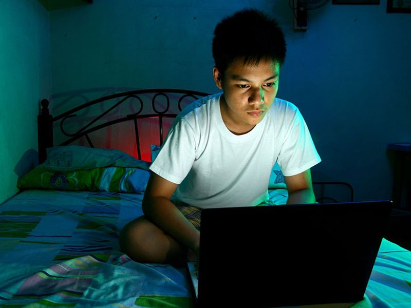 Boys Who Spend Lots of Time Online More Likely to Cyberbully
