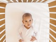الأطفال المولودون قيصرياً يعانون نقصاً في النبيت الميكروبي، لكنهم يعوّضون عنه مع مرور الوقت