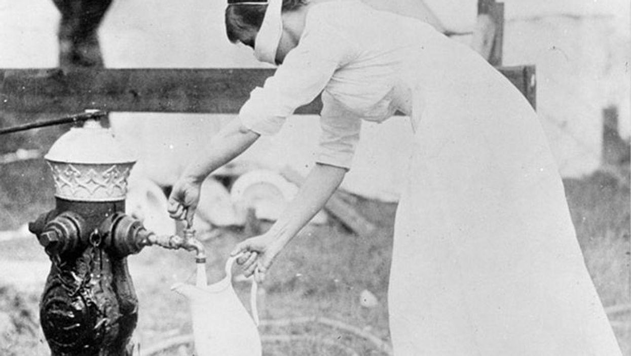 Nurse wearing mask during 1918 influenza pandemic.