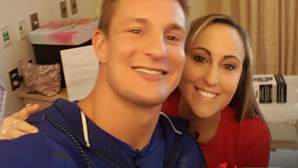 New England Patriots star Rob Gronkowski visits Lauren Meizo before her 2nd heart transplant