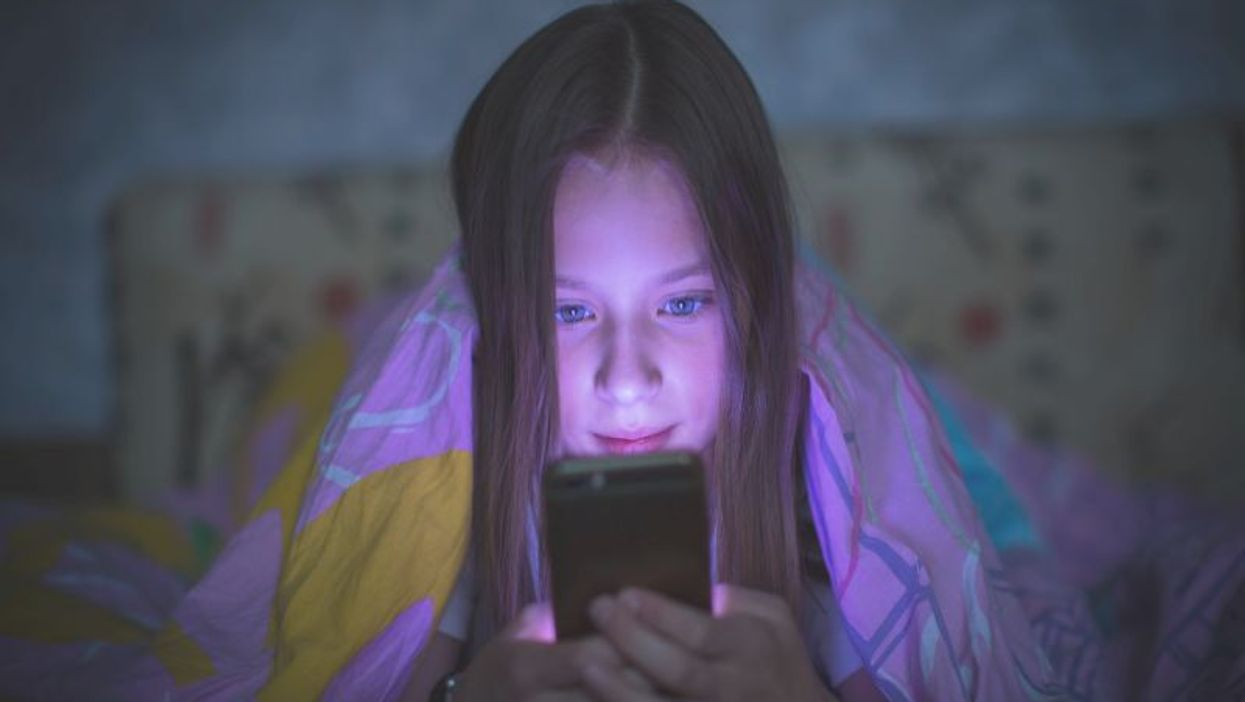 using cellphone in bed