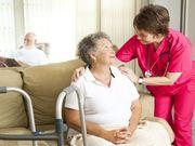 Las vacunas contra la COVID crean respuesta inmune en los residentes de hogares de ancianos, según un estudio