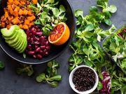 Dietas veganas ligadas a um risco maior de fratura óssea