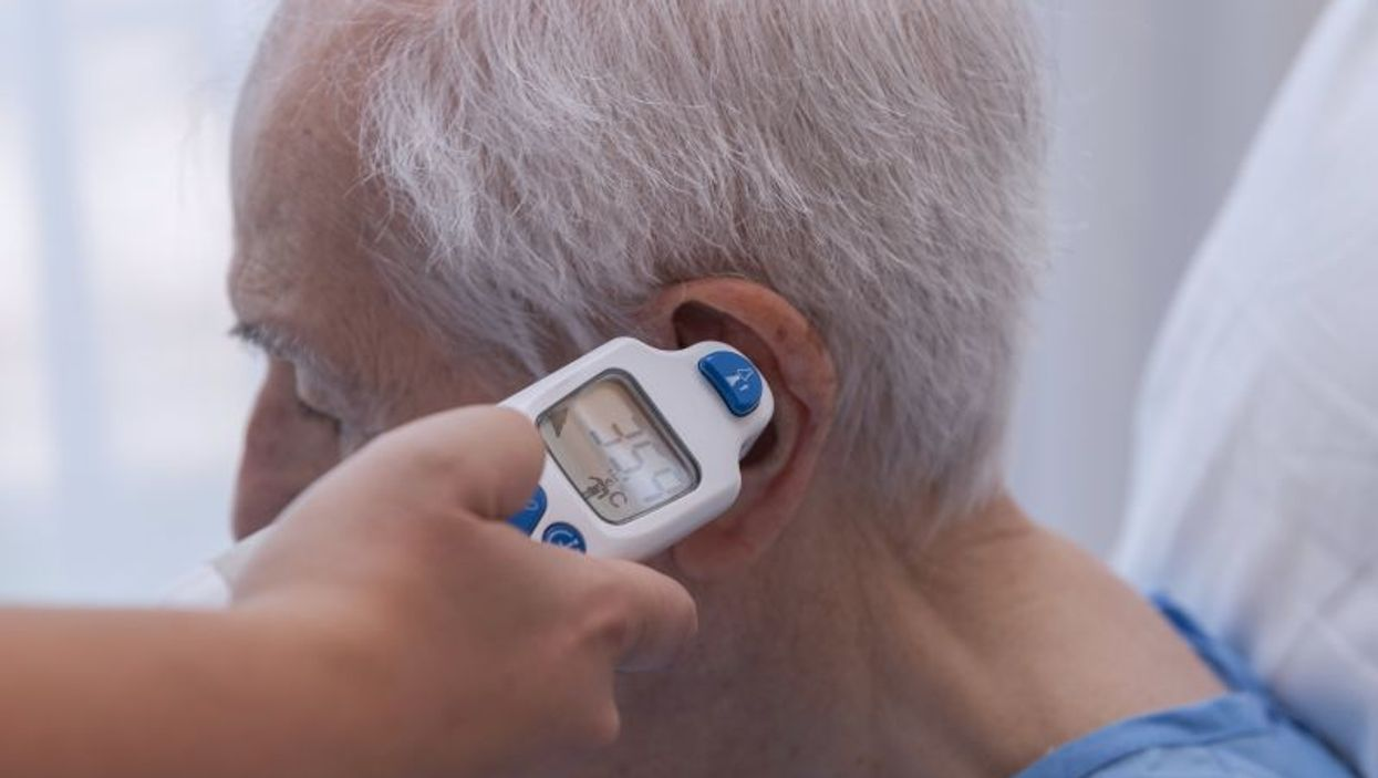 Digial ear thermometer
