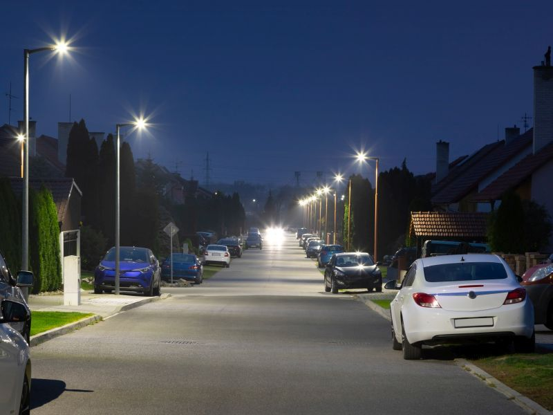 Could Too Much Light at Night Raise Your Odds for Thyroid Cancer? thumbnail