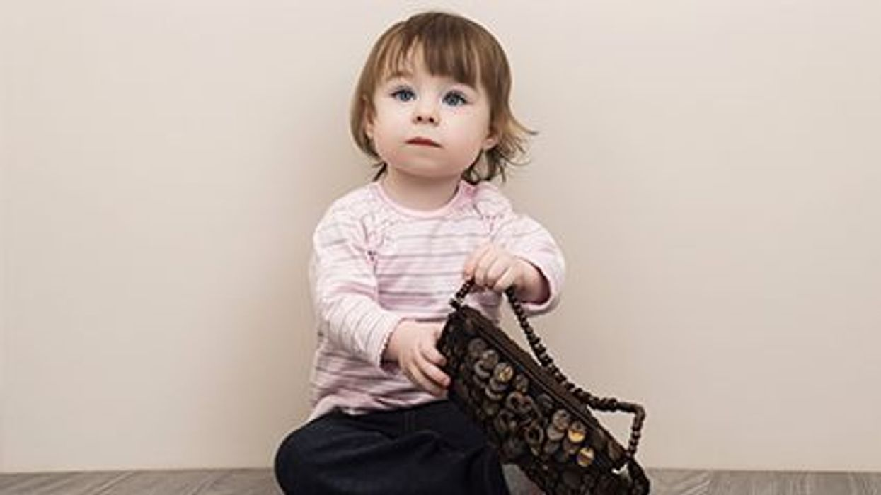 ¿Es su bolso una zona de peligro para los niños?