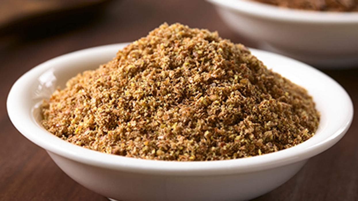 Get To Know The Nutty Crunch Of Flaxseeds