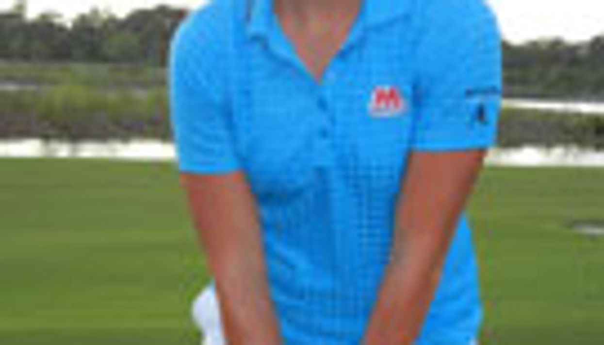 Top-Ranked Golfer Beats Scoliosis