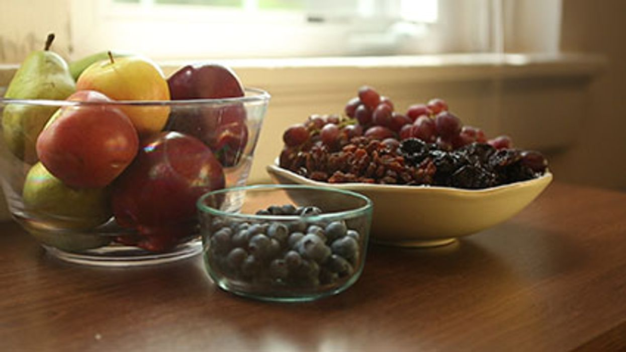 The Health Benefits of Eating Whole Fruits