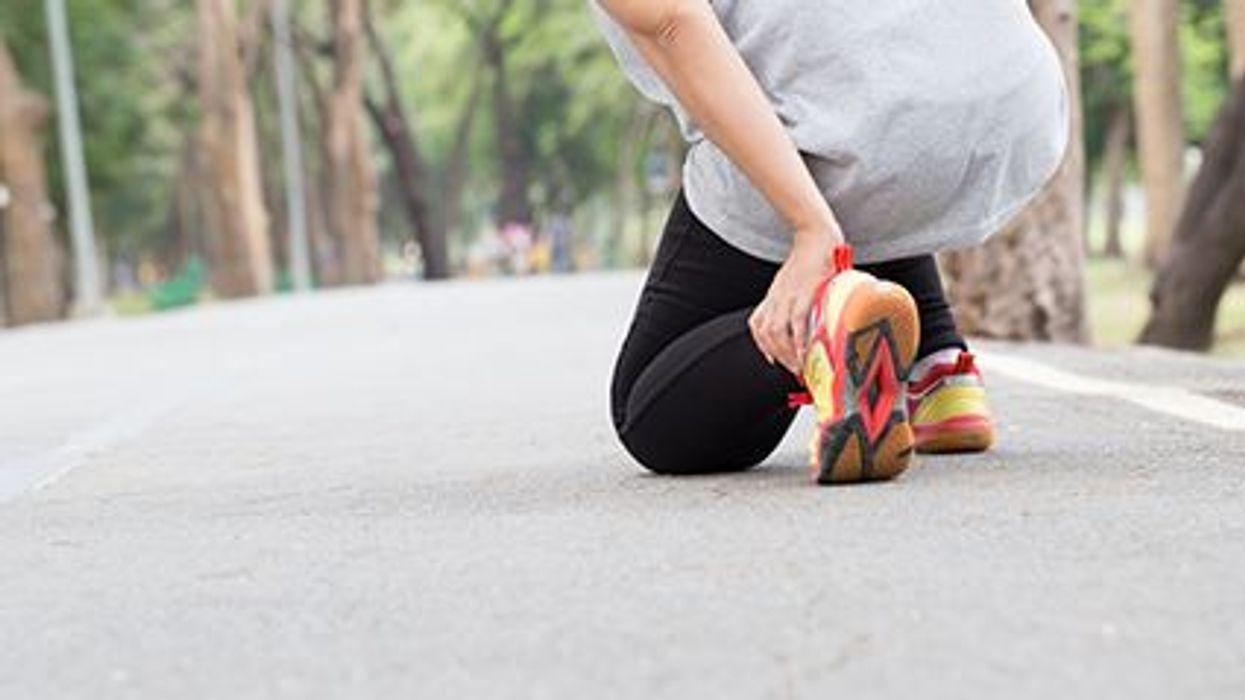 Cómo proteger sus pies contra las lesiones y las fracturas