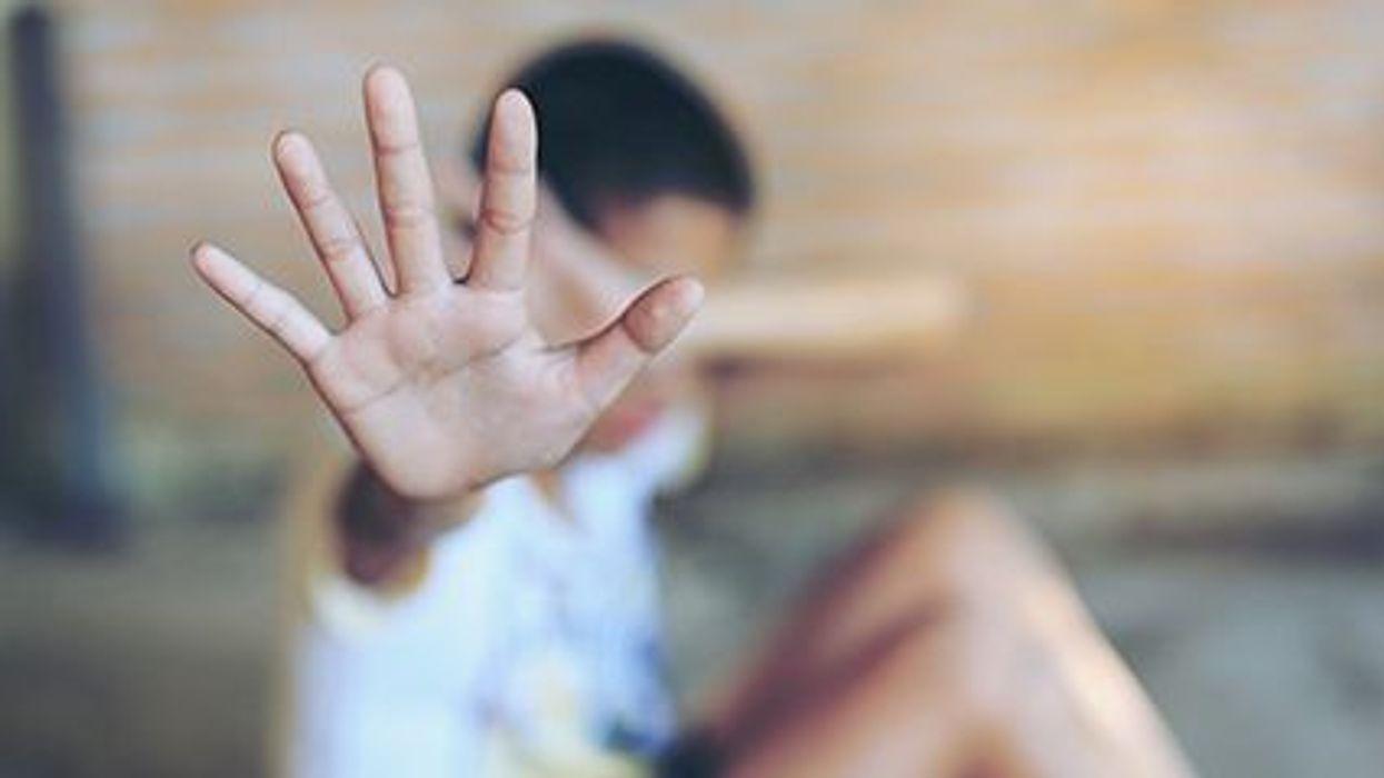 El trauma infantil y la salud de los adultos