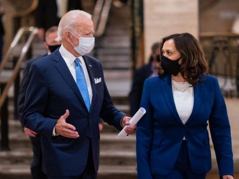 Biden advierte que en febrero las muertes por COVID podrían haber alcanzado las 500,000