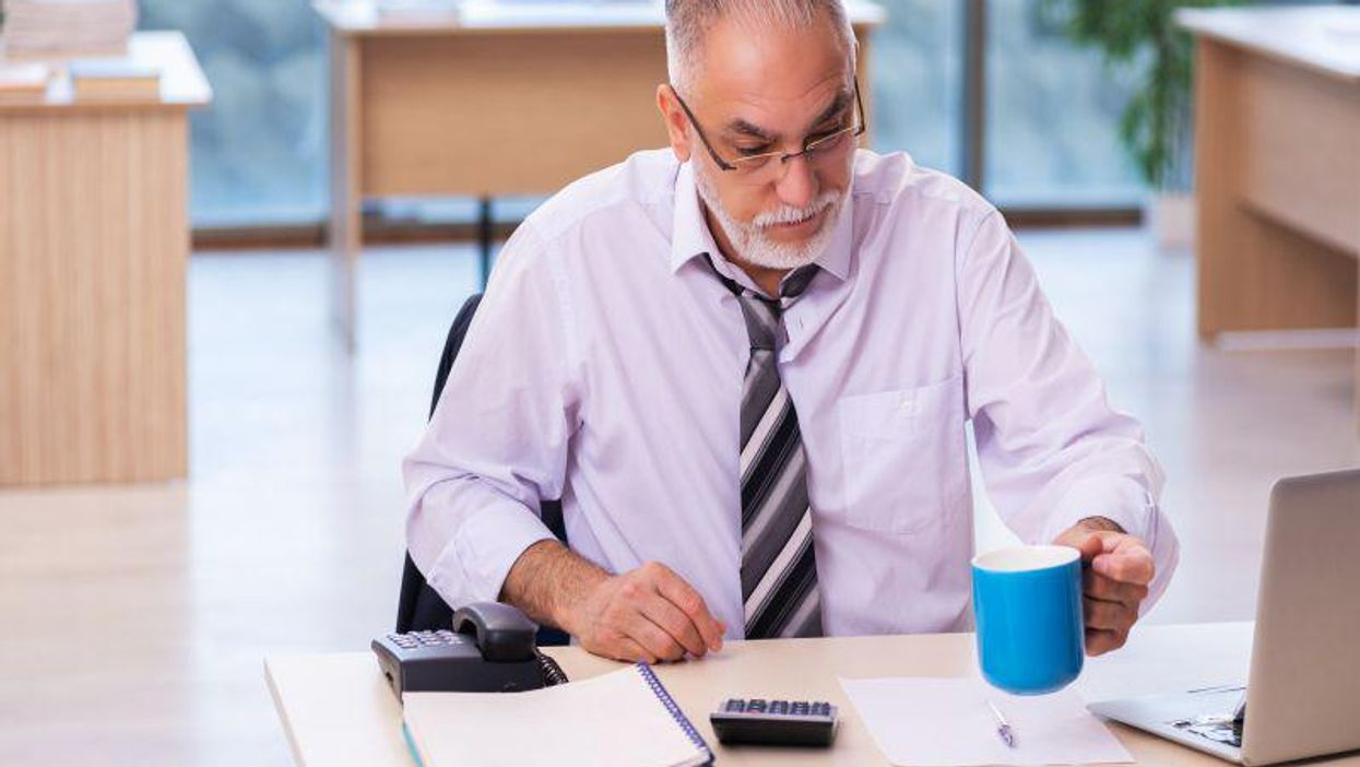 Survived a Heart Attack? Long Work Hours Raise Your Odds for Another
