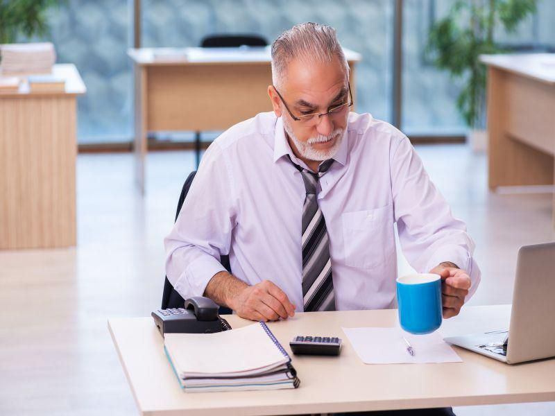 News Picture: Survived a Heart Attack? Long Work Hours Raise Your Odds for Another