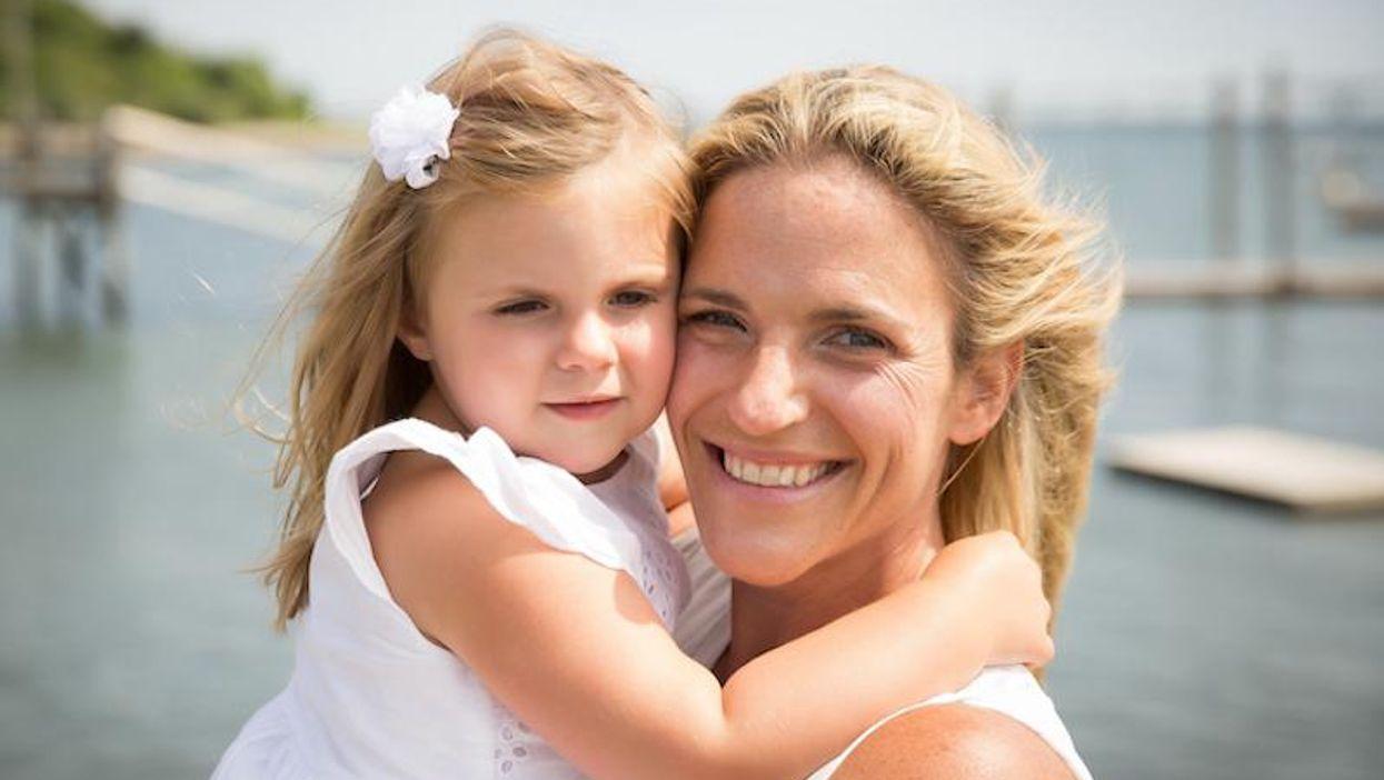 Chelsea Oakley & daughter Cora