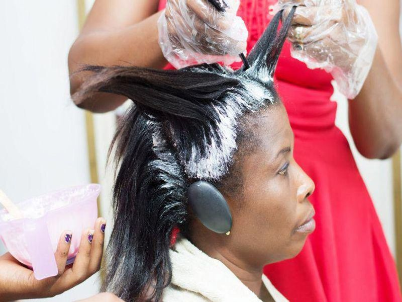 Moderate Use of Hair Relaxers Won't Raise Black Women's Cancer Risk: Study