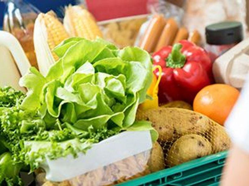 Why Getting Your Groceries Online Might Be Healthier
