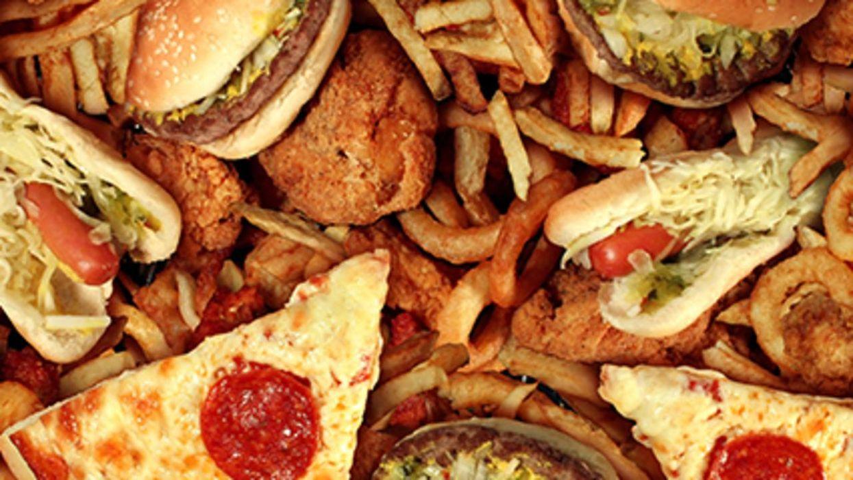 El uso de los teléfonos inteligentes puede llevar a la obesidad en los adolescentes, según un estudio