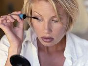 ¿Las mujeres absorben toxinas del maquillaje?