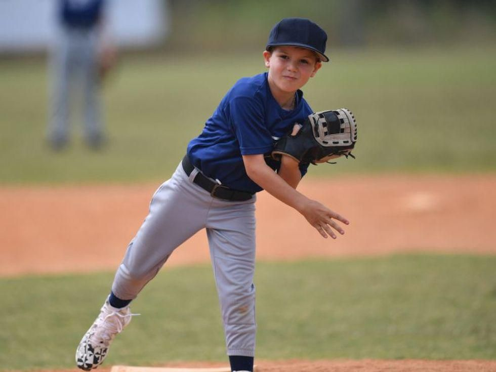 News Picture: Most Parents Clueless About Overuse Dangers to Young Pitchers