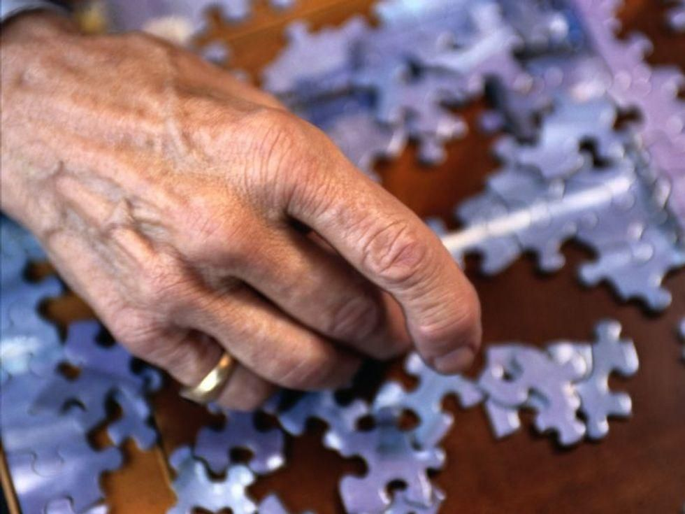 News Picture: Reading, Puzzles May Delay Alzheimer's by 5 Years: Study