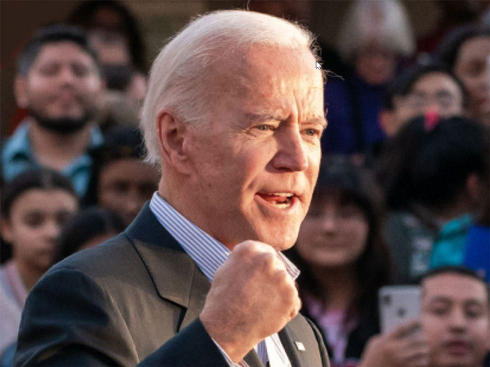 Biden Weighs 'Vaccine or Testing' Mandate for Federal Employees