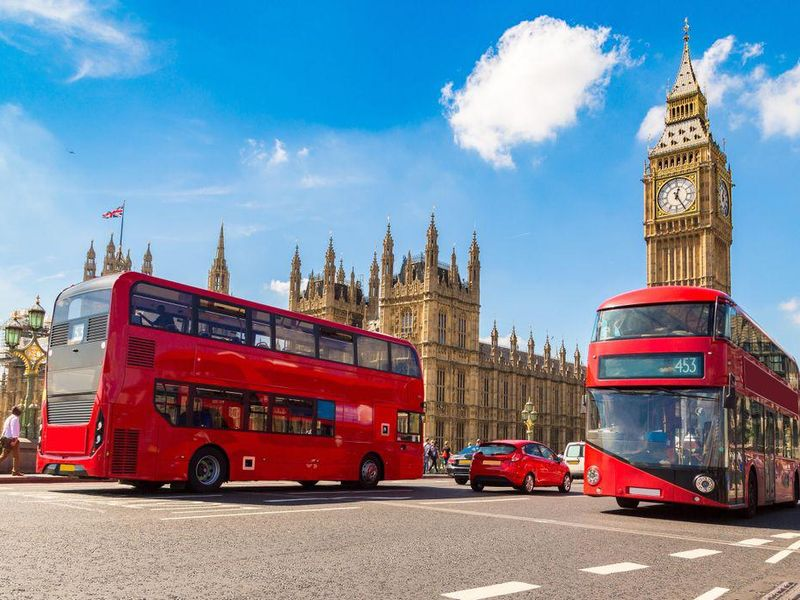 U.S. Issues Toughest Travel Alert for Britain As COVID Cases There Climb