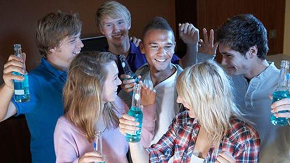 News Picture: Heavy Drinking in Youth Could Harm Arteries