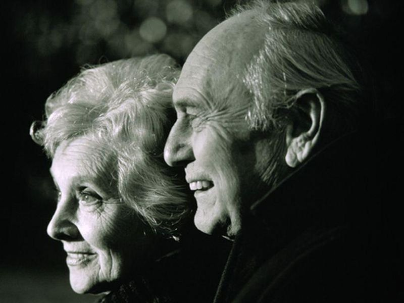 Having Someone Who'll Listen May Be Good for Your Aging Brain