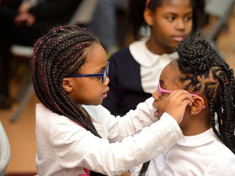 Getting Kids Eyeglasses Boosts School Grades: Study