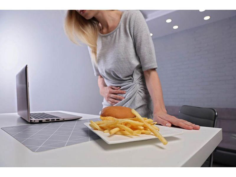 News Picture: 1 in 10 People Have Gastro Issues After a Meal