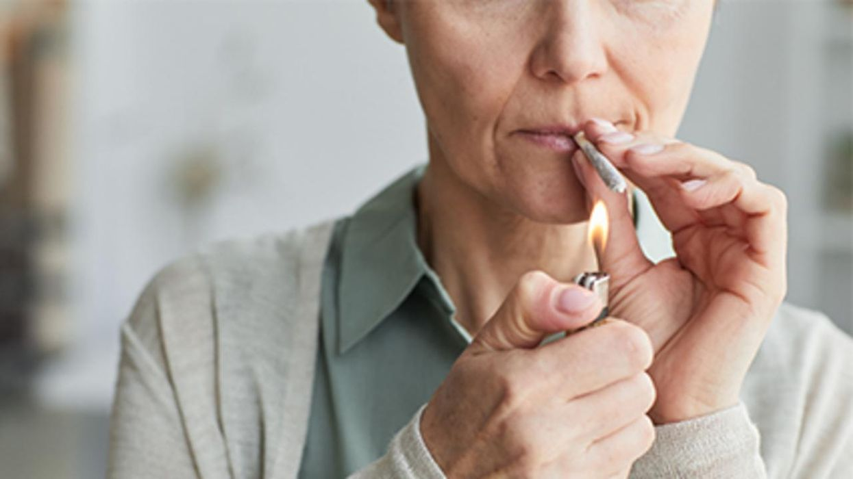 Un estudio halló que más mujeres están usando la marihuana para los síntomas de la menopausia