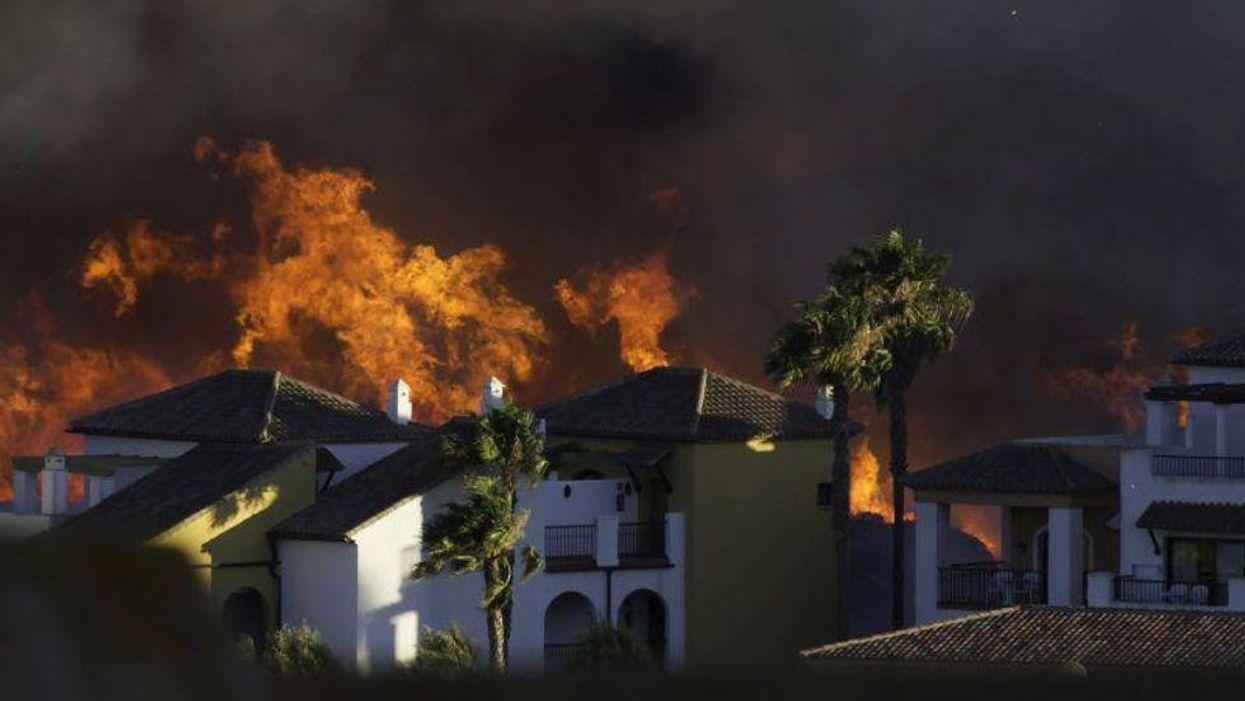 Los incendios forestales del Oeste están enfermando a los habitantes del Este,  según un estudio de EE. UU.