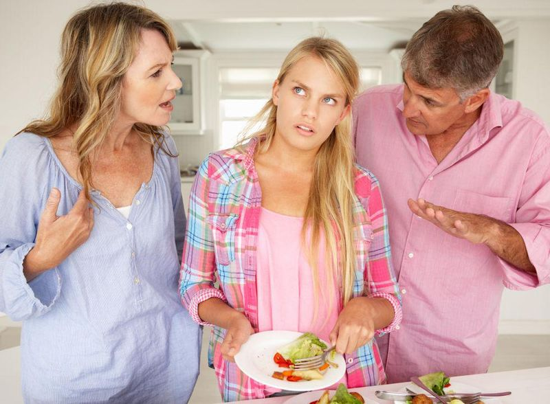 News Picture: Picky Eating, Social Phobia Often Linked in College Students