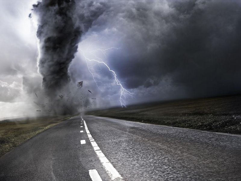 Is Sheltering Under an Overpass Safe When Tornadoes Strike?