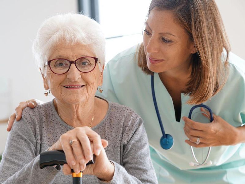 Most Older Americans Believe Health Care Workers Should Be Vaccinated: Poll